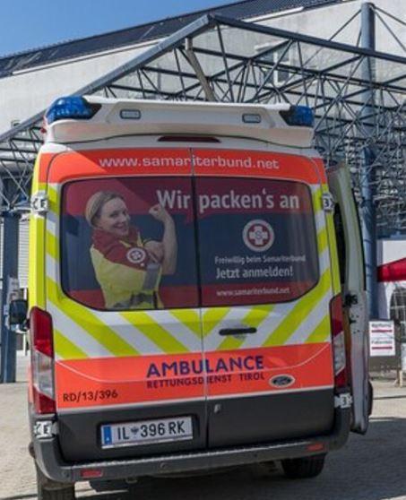 Ambulanza Tirolo.JPG